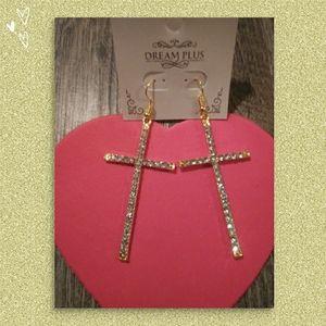 Cross Earrings ( NWT ) VERY PRETTY!💓💓